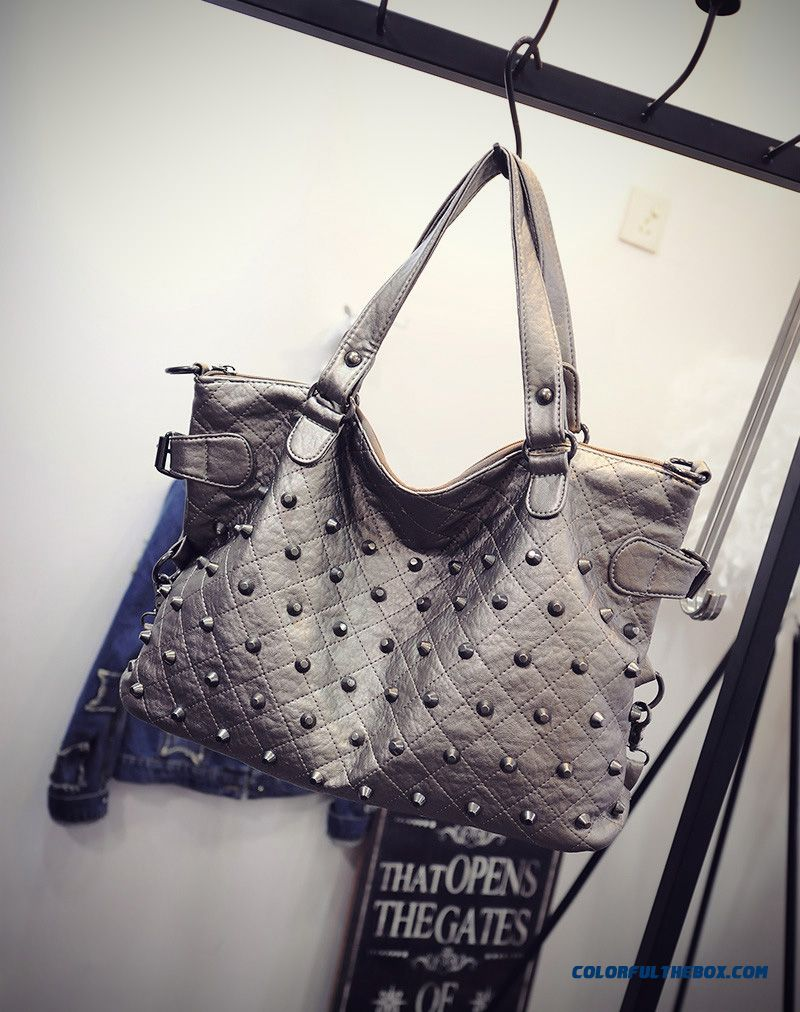 ... New Women s Rivets Diamond Lattice Big Bag High Capacity Shopping Bags  Top Sale In Winter 9d8b4b86c1629