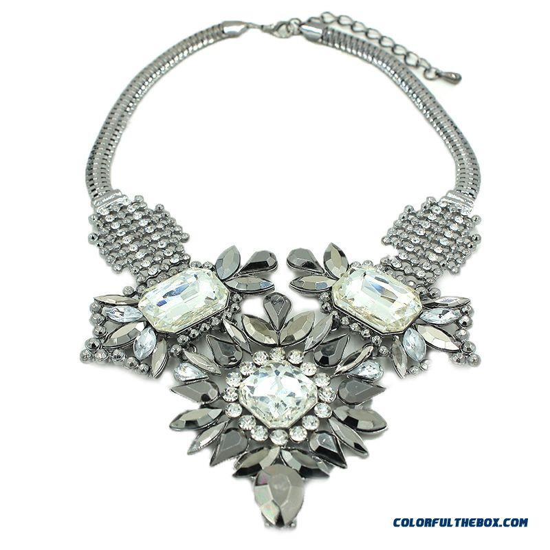 Spring Design For Women Retro Glass Necklace Alloy Jewelry