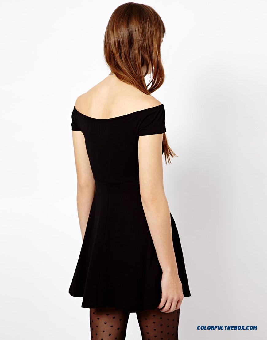 Fashionable Design Boat Neckline Strapless Women Dress Short - detail images