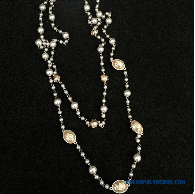 Women European And American Fine Jewelry New Winter Long Section Of The Letter Exaggerated Pearl Necklace - detail images