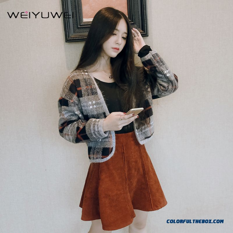 2015 Autumn And Winter New Women Woolen Long-sleeved Lattice Short Large Size