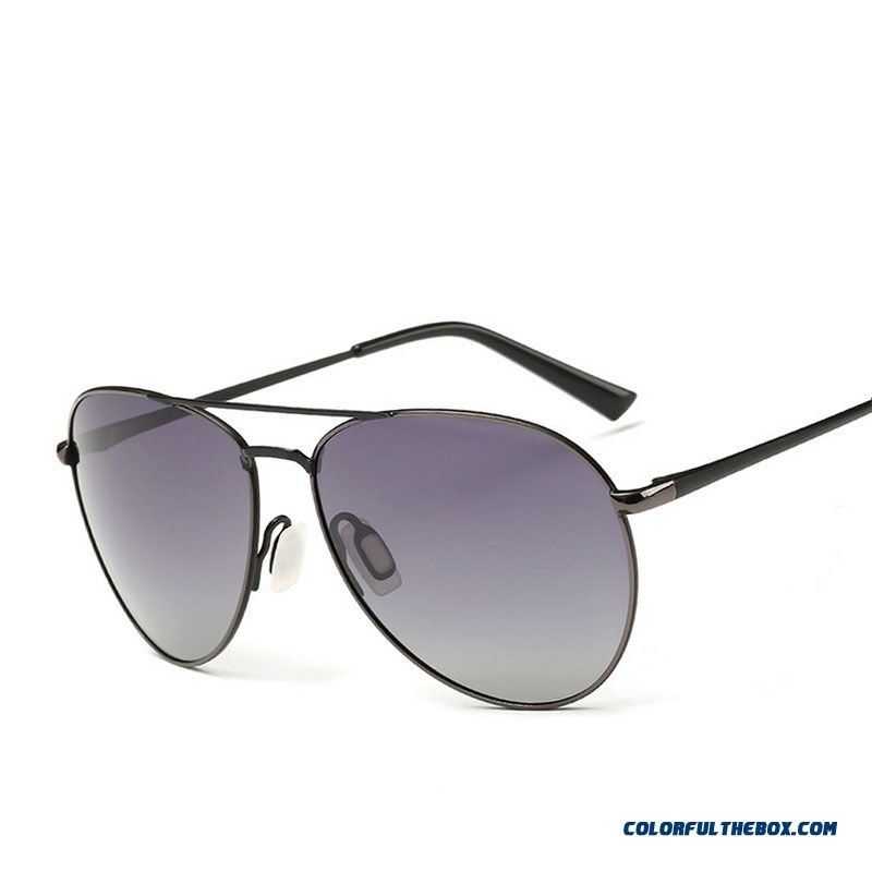 b2ff543e83 ... Classic Men s Polarized Sunglasses Aviator Sunglasses Color Film Men  And Women Deiving Sunglasses ...