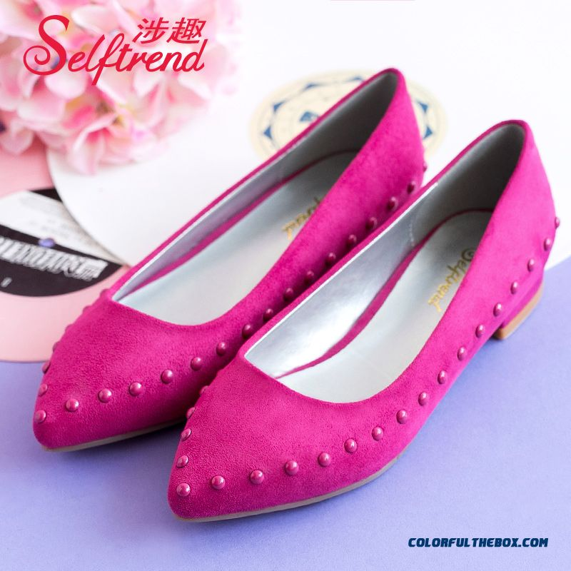 Design Cpmfortable Suede Rivet Shallow Mouth Pointed Flat Women Shoes