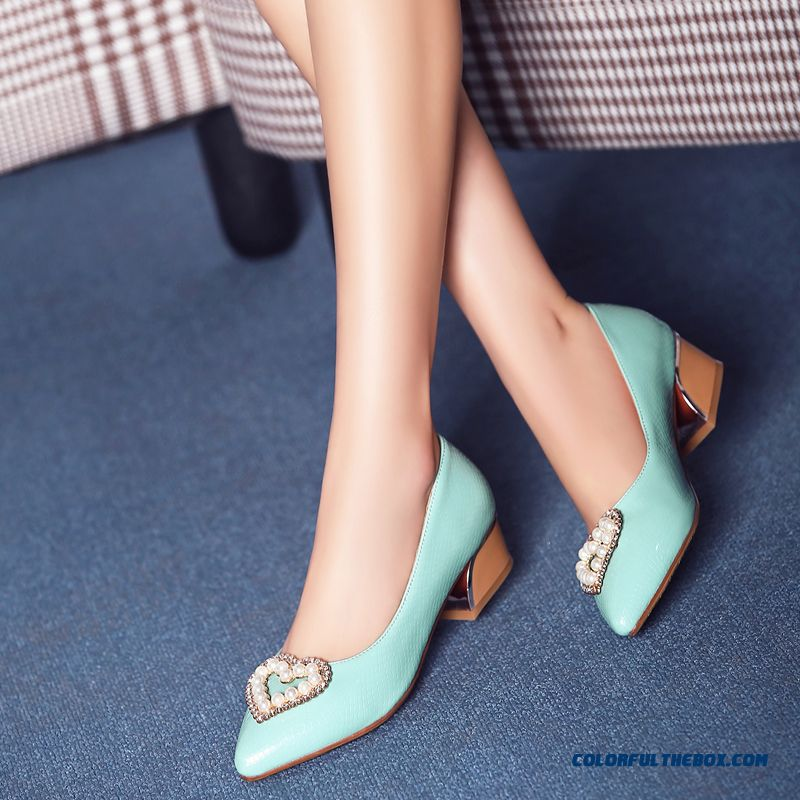 Elegant Middle-heels Square Heel Pointed Heart-shaped Pearl Decoration Shallow Mouth Women Pumps - more images 1