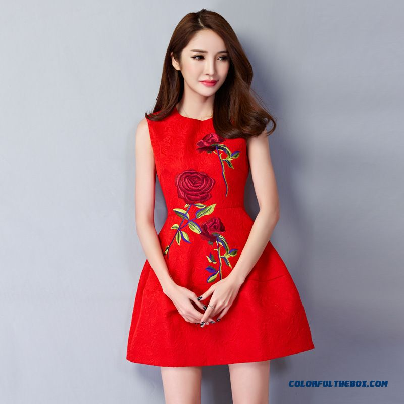 Europe Rose Embroidery Shaped Waist Slim Women Plus Size Vest Dress