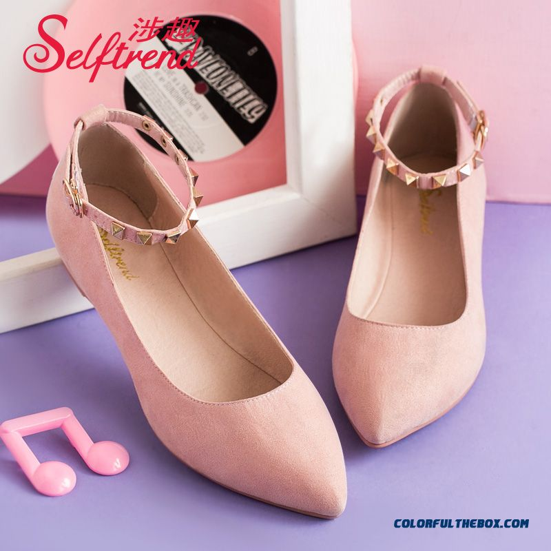 European And American Style Of Rivet Pointed Shallow Mouth Suede Women Flat Shoes
