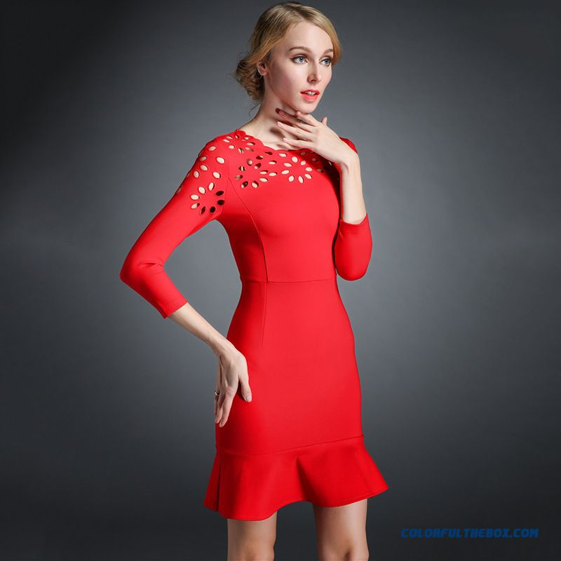 European Stations Spring New Women Dress Embroidered Fishtail Hollow Dress