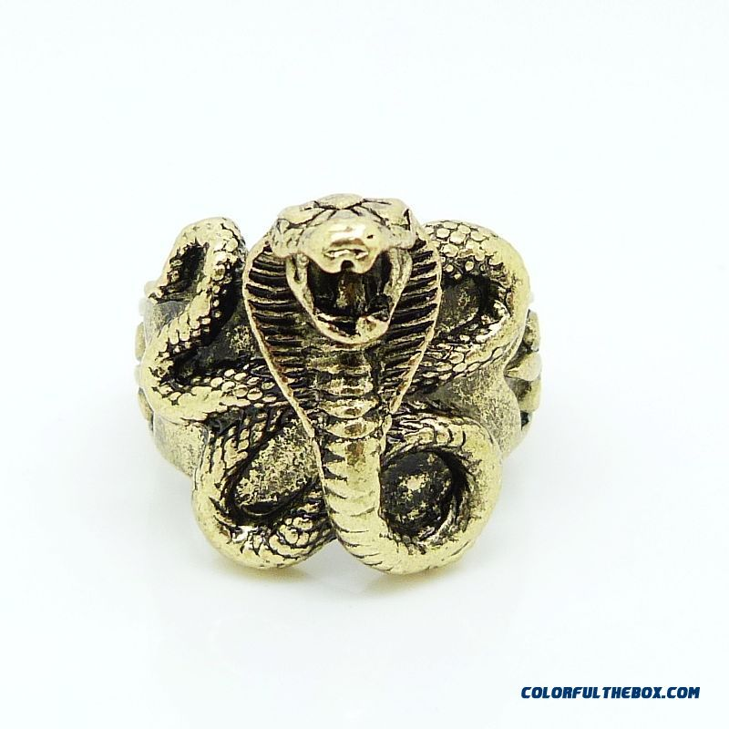 Factory Direct Retro Personality Cobra Ring Hypoallergenic Material Women Jewelry