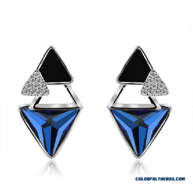Fine Jewelry Triangle Austria Crystal Earrings Color Retention Electroplating Diamond Ear Decorations For Women