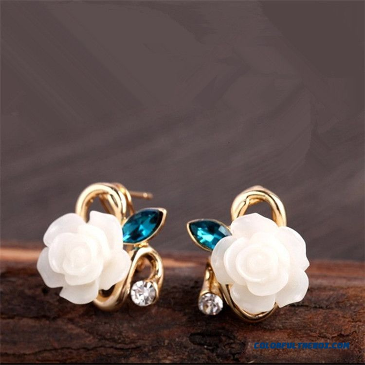 Hot Hypoallergenic Flower Earrings European And American Women Retro Ear Jewelry
