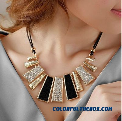 Jewelry All-matsch Short Payment Chain Ossicular Chain Ladies Pearl Pendant