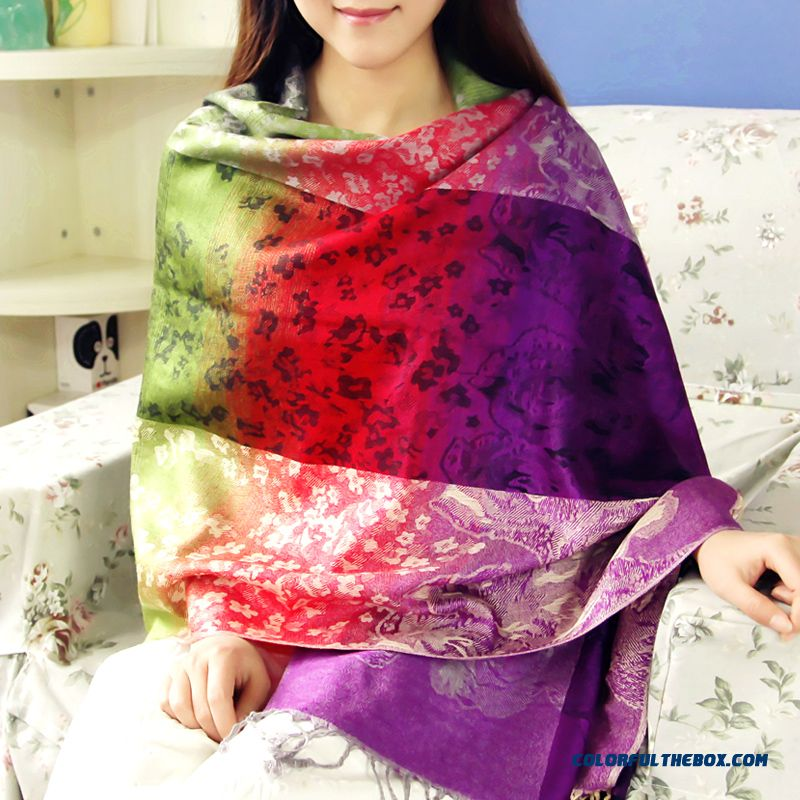 Ladies Ethnic Style Fashion Warm Graded Color Jacquard Process Scarves Women Accessories