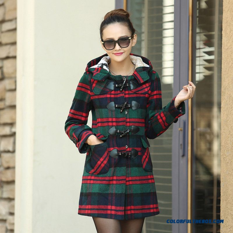 Lattest Arrival Plaid Woolen Coat Women Medium-long Horn Button Woolen Coat