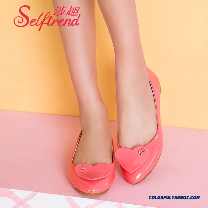 New Candy-colored Hearts Pointed Patent Leather Women Flat Shoes Soft Bottom