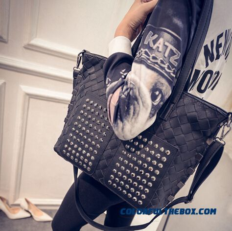New European And American Fashion Women Bag Big Bag Punk Rivet Shoulder Bag For Women