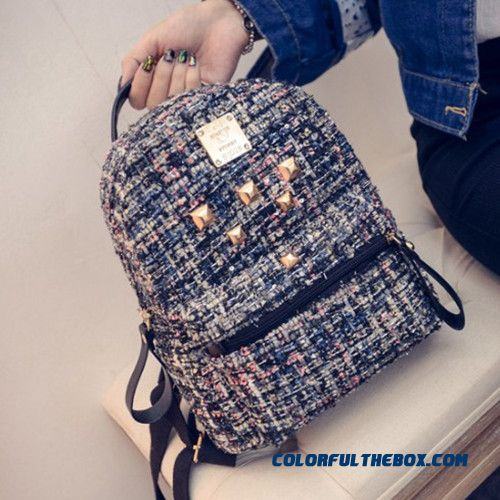 New Fashionable Bag Rivet Small Backpack Casual Traveling Bags For Women