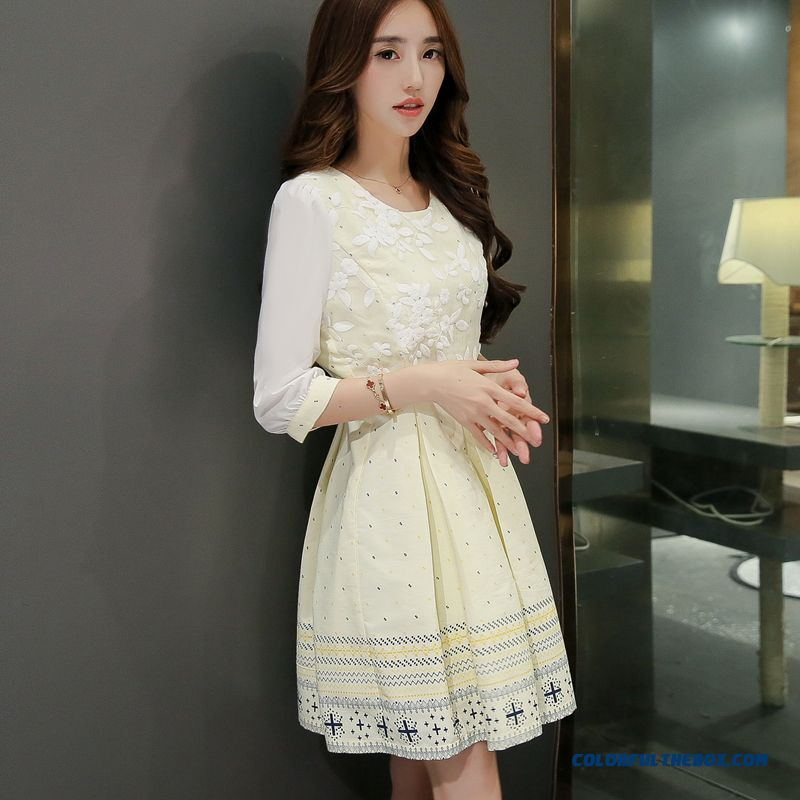 New Ladies Dress Lace Long Sleeve Slim And Slim White Embroidery Autumn