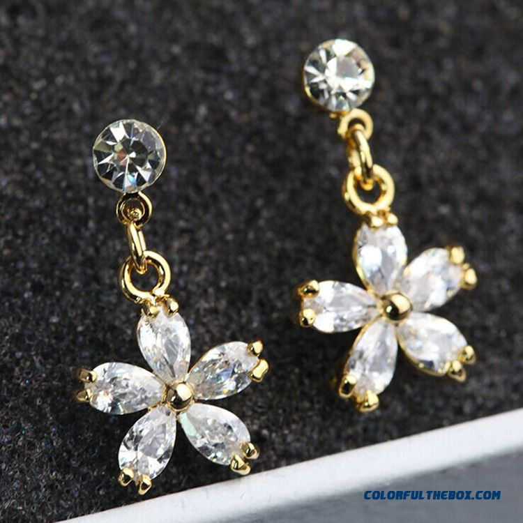 New Petal Flowers Zircon Stud Earrings Fashion Style Women Ear Jewelry