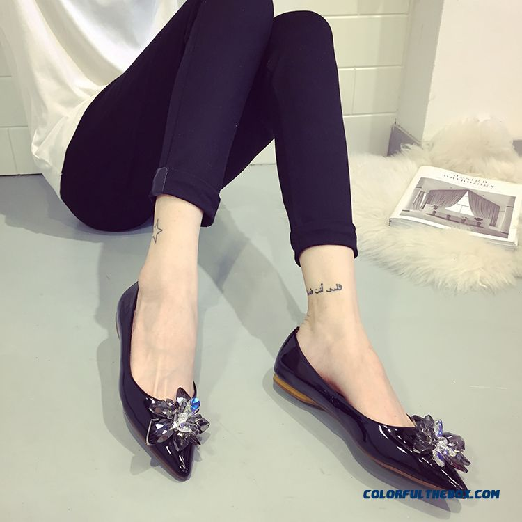 New Shallow Mouth Fall Women Flat Shoes Rhinestones Black Pointed - more images 2