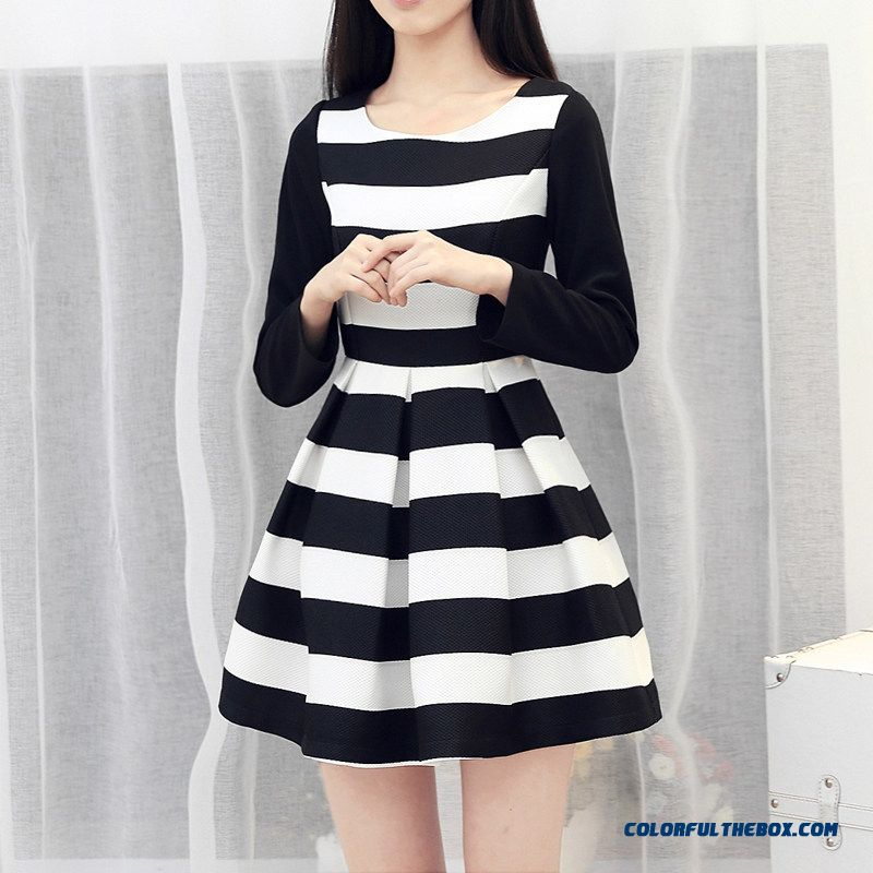 New Style Women Dress Long Sleeve Black And White Stripes Slim