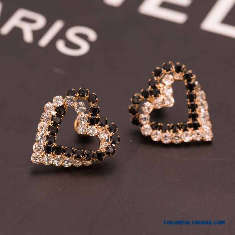 New Winter Heart-shaped Stud Earrings Ultra - Flash Microscopic Setting Women Jewelry