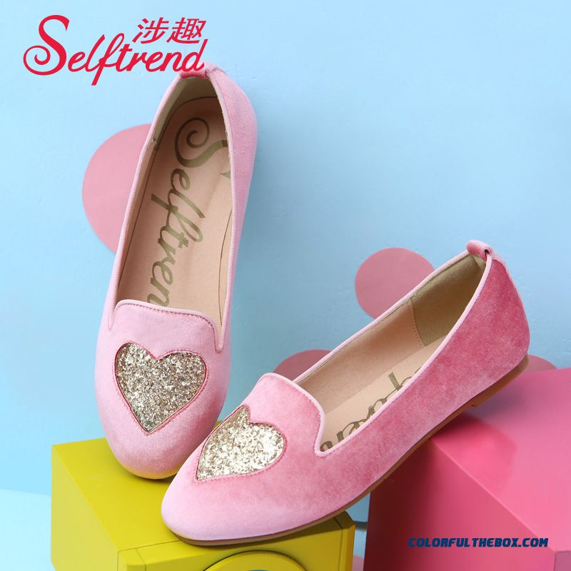New Women Sweet Velvet Heart-shaped Sequins Round-toe Flat Shoes