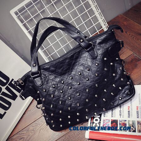 New Women's Rivets Diamond Lattice Big Bag High Capacity Shopping Bags Top Sale In Winter