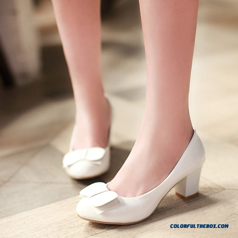 Spring New Round-toe Patent Leather Rough Heel Shallow Mouth Sweet Bow-tie Pumps Women Shoes