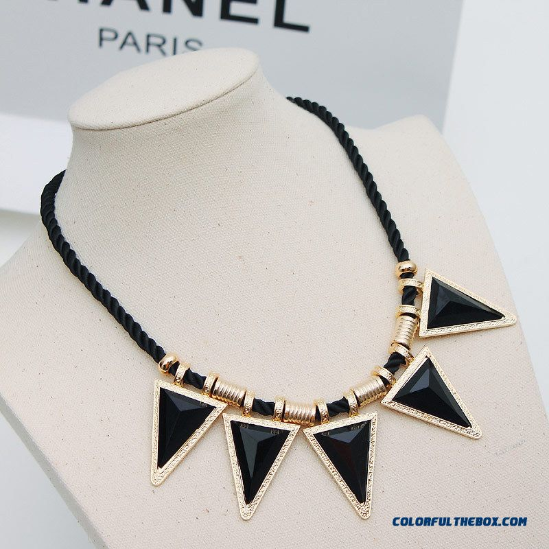 Women Fashion Jewelry Exaggerated Geometric Triangle Black Stones Short Necklace Jewelry